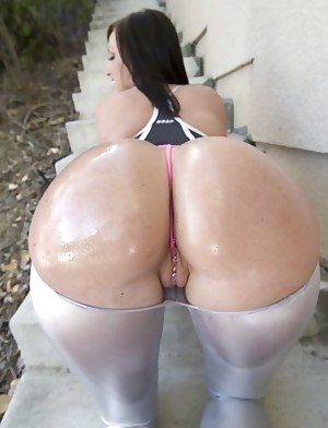 Big Ass Cameltoe Porn Pictures
